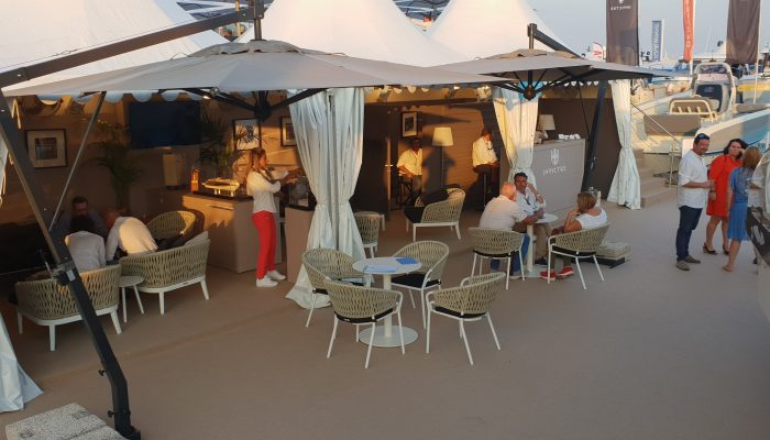 Invictus Yachts Stand auf dem Cannes Yachting Festival 2018